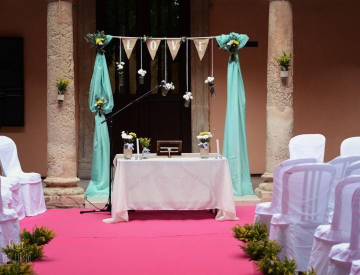 Pedro y Marisa: una boda campestre y colorida