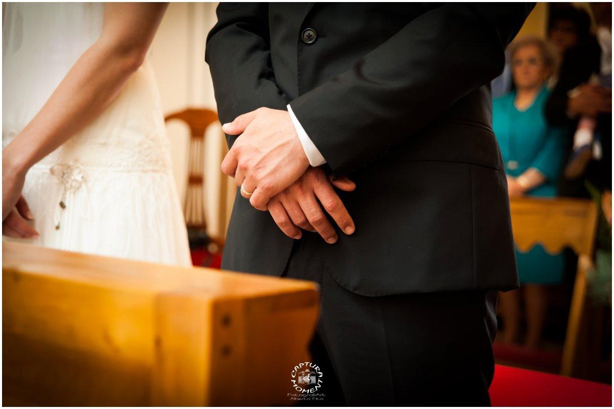 en la iglesia,detalle alianzas